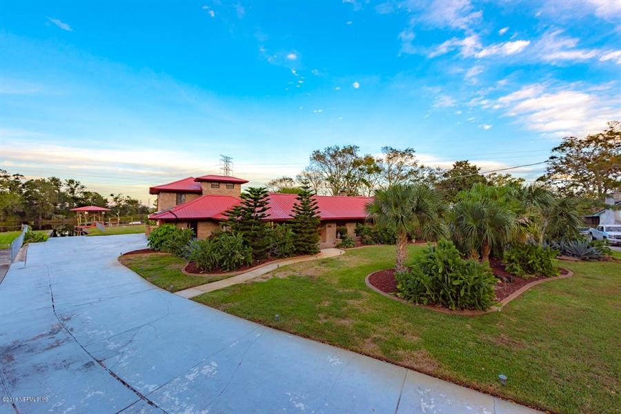 Real Estate Photography - 2303 Shipwreck Dr, Jacksonville, FL, 32224 - Location 4