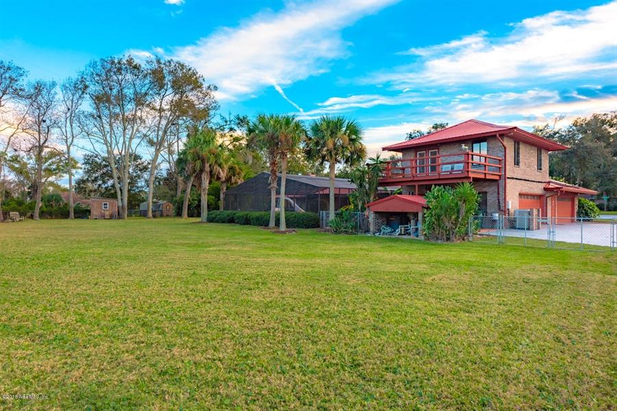 Real Estate Photography - 2303 Shipwreck Dr, Jacksonville, FL, 32224 -