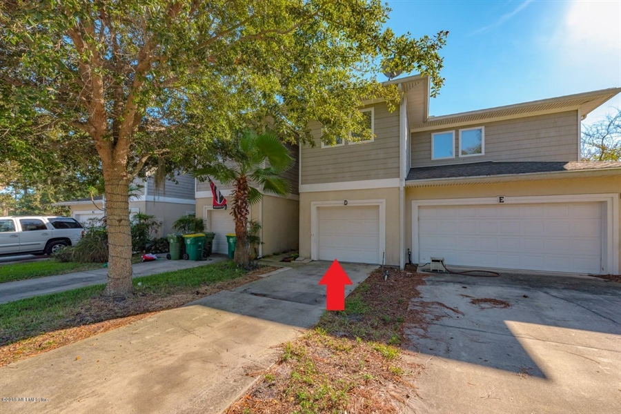 Real Estate Photography - 1404 4th Ave N, Unit D, Jacksonville Beach, FL, 32250 - Location 2