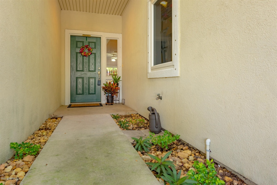 Real Estate Photography - 1404 4th Ave N, Unit D, Jacksonville Beach, FL, 32250 - Location 3