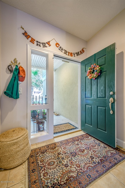 Real Estate Photography - 1404 4th Ave N, Unit D, Jacksonville Beach, FL, 32250 - Location 5