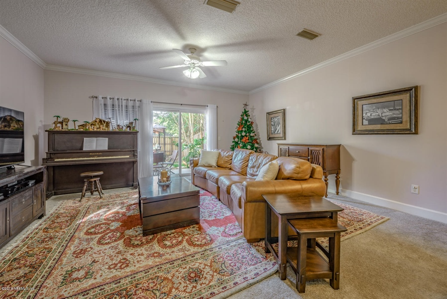 Real Estate Photography - 1404 4th Ave N, Unit D, Jacksonville Beach, FL, 32250 - Location 8