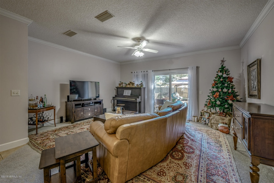 Real Estate Photography - 1404 4th Ave N, Unit D, Jacksonville Beach, FL, 32250 - Location 9