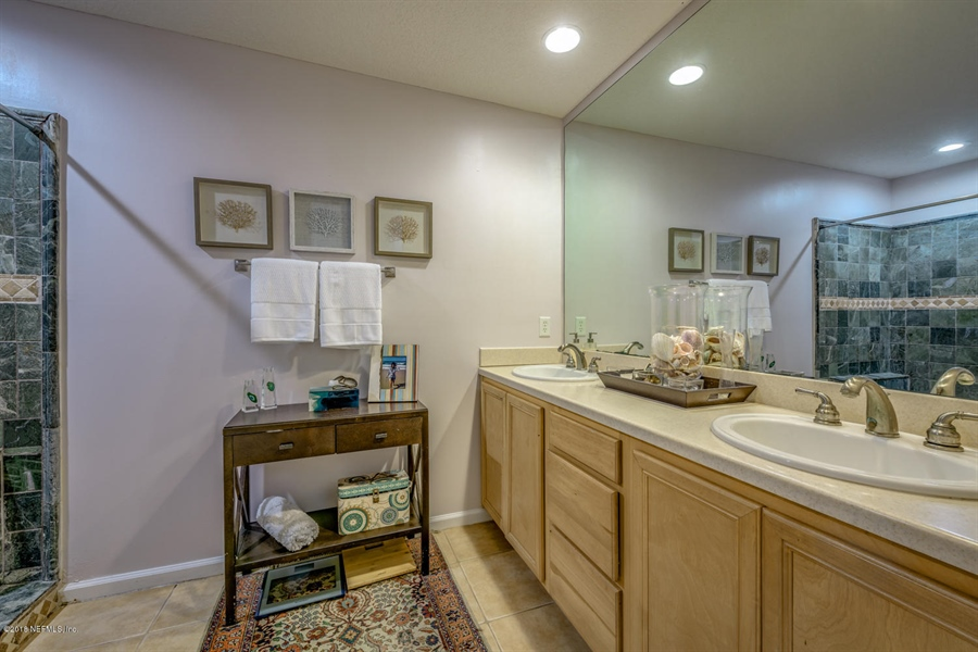Real Estate Photography - 1404 4th Ave N, Unit D, Jacksonville Beach, FL, 32250 - Location 14