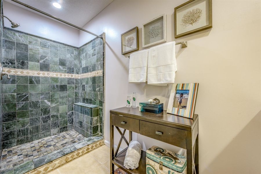 Real Estate Photography - 1404 4th Ave N, Unit D, Jacksonville Beach, FL, 32250 - Location 15