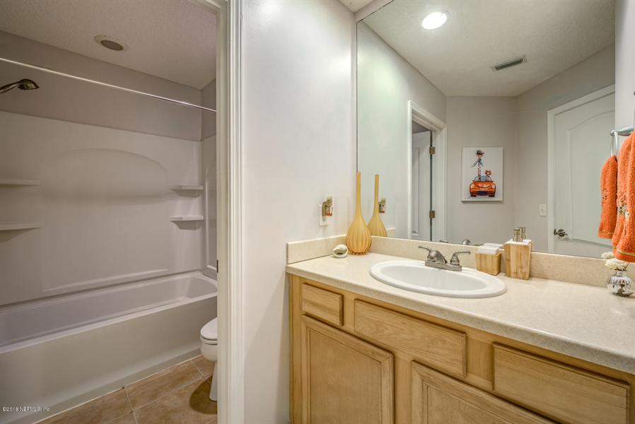 Real Estate Photography - 1404 4th Ave N, Unit D, Jacksonville Beach, FL, 32250 - Location 17