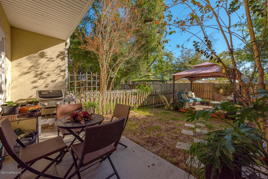 Real Estate Photography - 1404 4th Ave N, Unit D, Jacksonville Beach, FL, 32250 - Location 20
