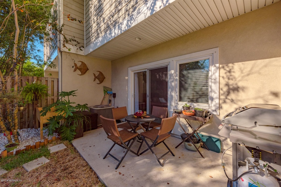 Real Estate Photography - 1404 4th Ave N, Unit D, Jacksonville Beach, FL, 32250 - Location 21