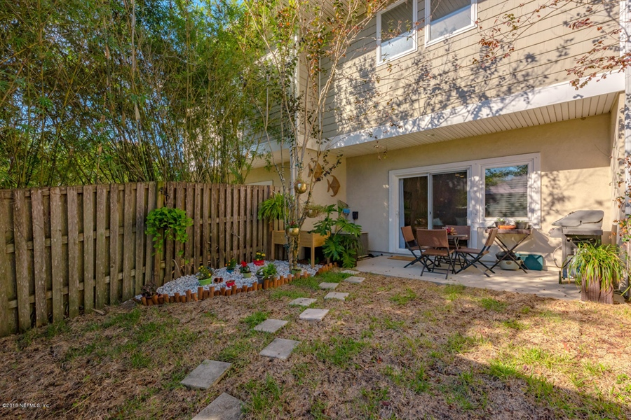 Real Estate Photography - 1404 4th Ave N, Unit D, Jacksonville Beach, FL, 32250 - Location 22