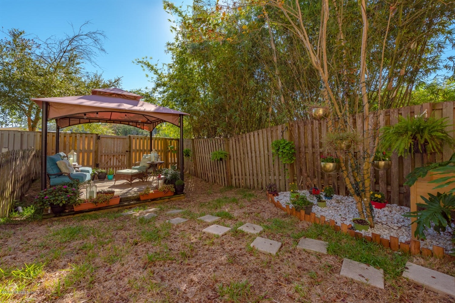 Real Estate Photography - 1404 4th Ave N, Unit D, Jacksonville Beach, FL, 32250 - Location 23
