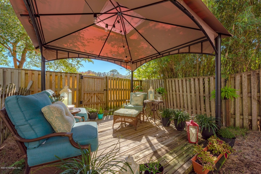 Real Estate Photography - 1404 4th Ave N, Unit D, Jacksonville Beach, FL, 32250 - Location 24