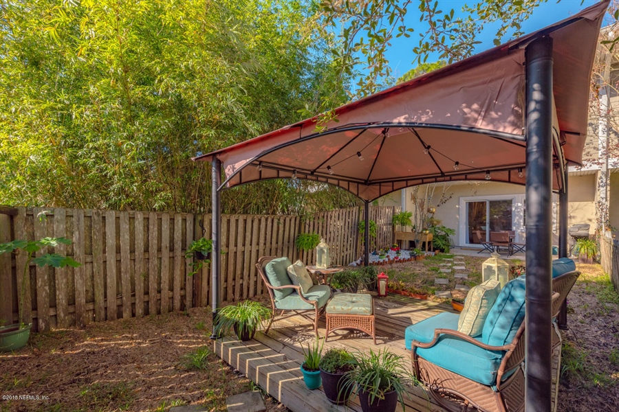 Real Estate Photography - 1404 4th Ave N, Unit D, Jacksonville Beach, FL, 32250 - Location 25