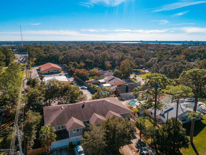 Real Estate Photography - 1404 4th Ave N, Unit D, Jacksonville Beach, FL, 32250 - Location 30