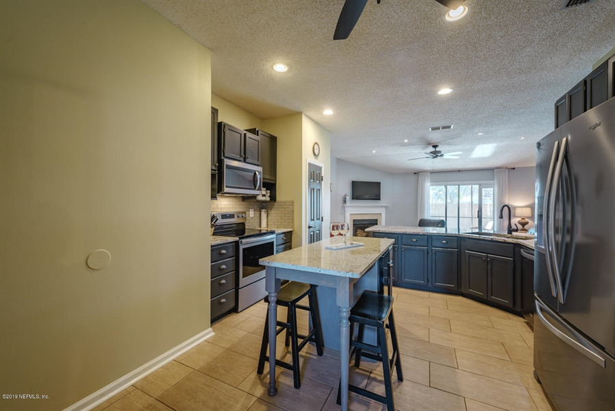 Real Estate Photography - 13582 Capistrano Dr S, Jacksonville, FL, 32224 - Location 12