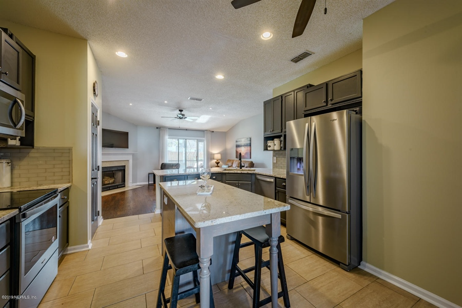 Real Estate Photography - 13582 Capistrano Dr S, Jacksonville, FL, 32224 - Location 13