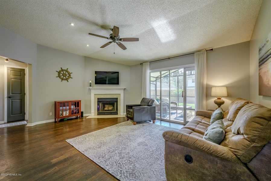 Real Estate Photography - 13582 Capistrano Dr S, Jacksonville, FL, 32224 - Location 16
