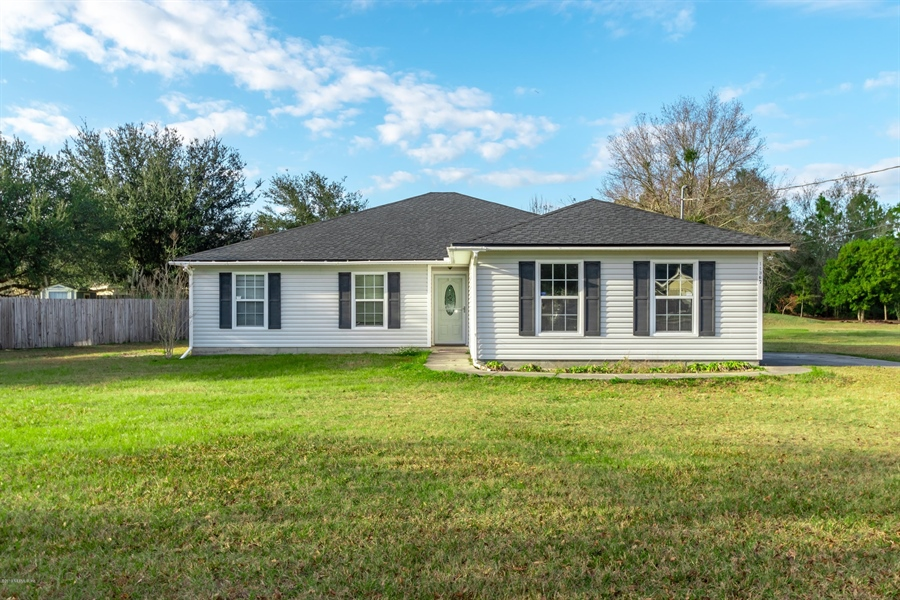 Real Estate Photography - 11367 Old Gainesville Rd, Jacksonville, FL, 32221 - Location 1