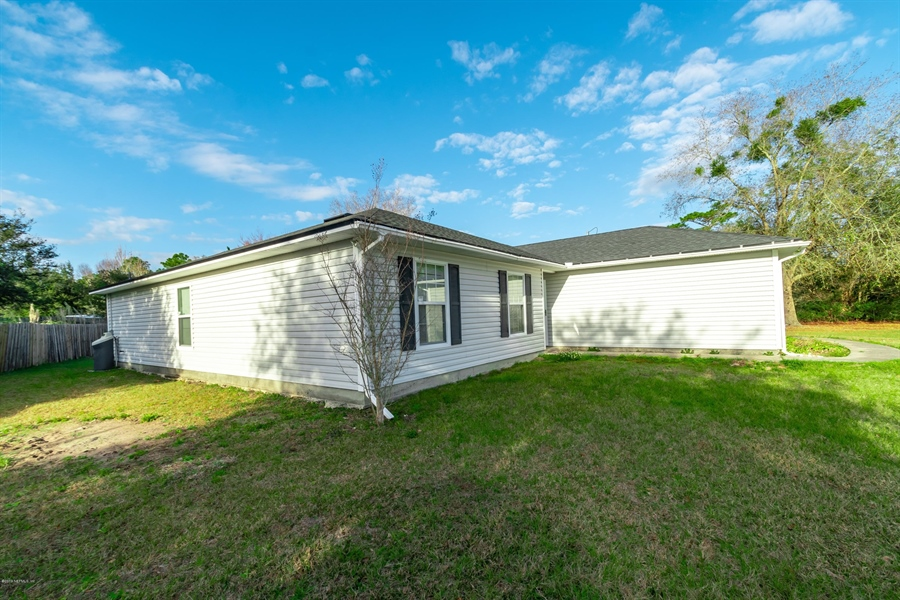 Real Estate Photography - 11367 Old Gainesville Rd, Jacksonville, FL, 32221 - Location 5