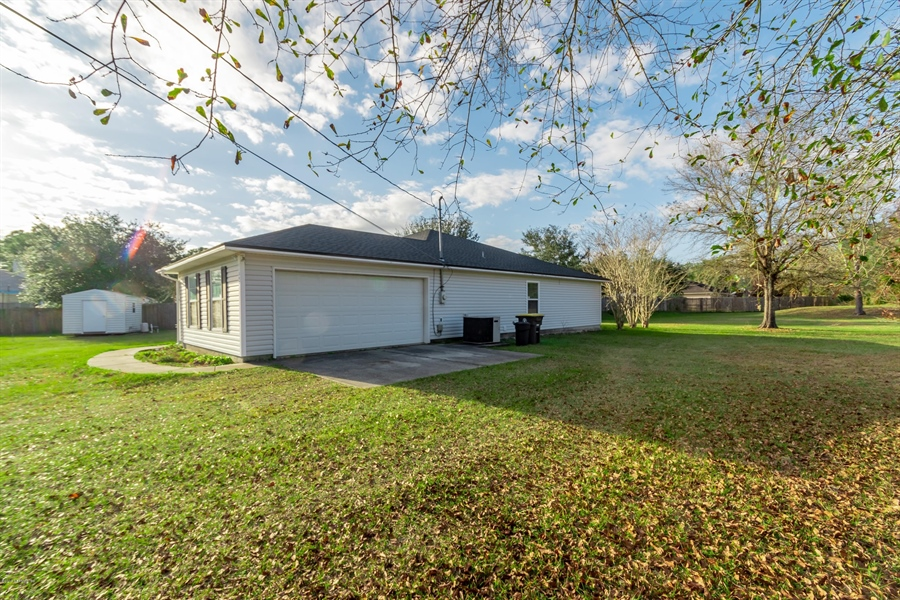 Real Estate Photography - 11367 Old Gainesville Rd, Jacksonville, FL, 32221 - Location 9