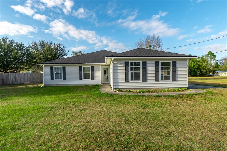 Real Estate Photography - 11367 Old Gainesville Rd, Jacksonville, FL, 32221 - Location 11