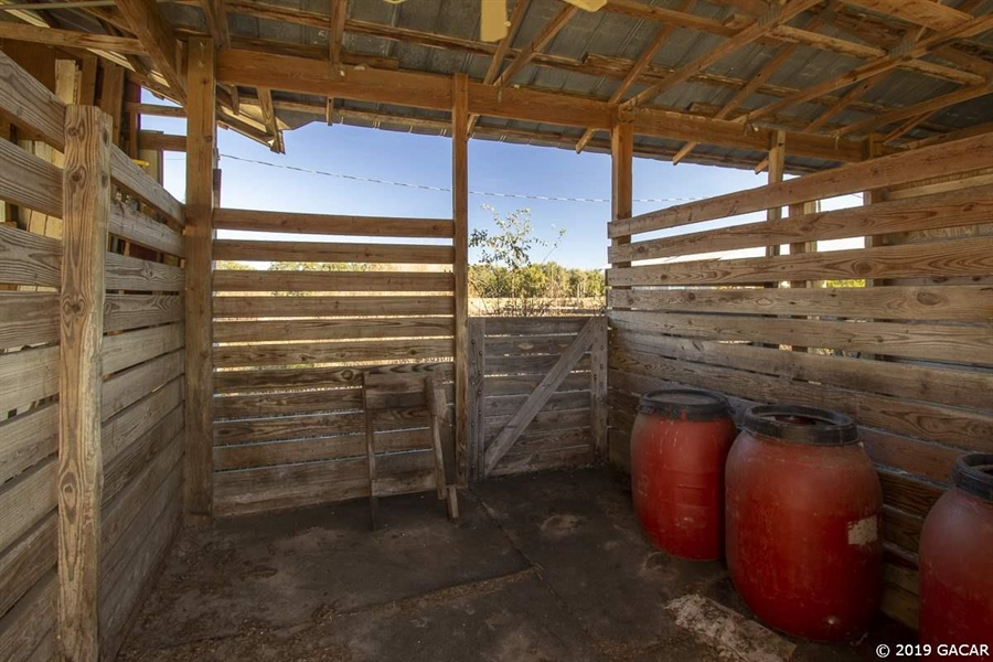 Real Estate Photography - 6530 NE 57th Ct, High Springs, FL, 32643 - Horse Stall