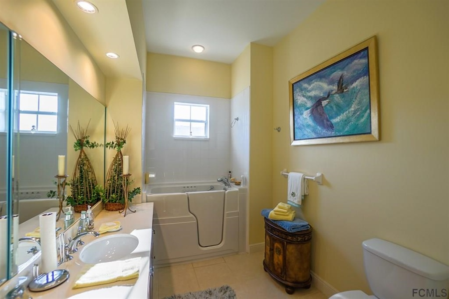 Real Estate Photography - 25 Casa Bella Cir, # 1303, Palm Coast, FL, 32137 - Location 25