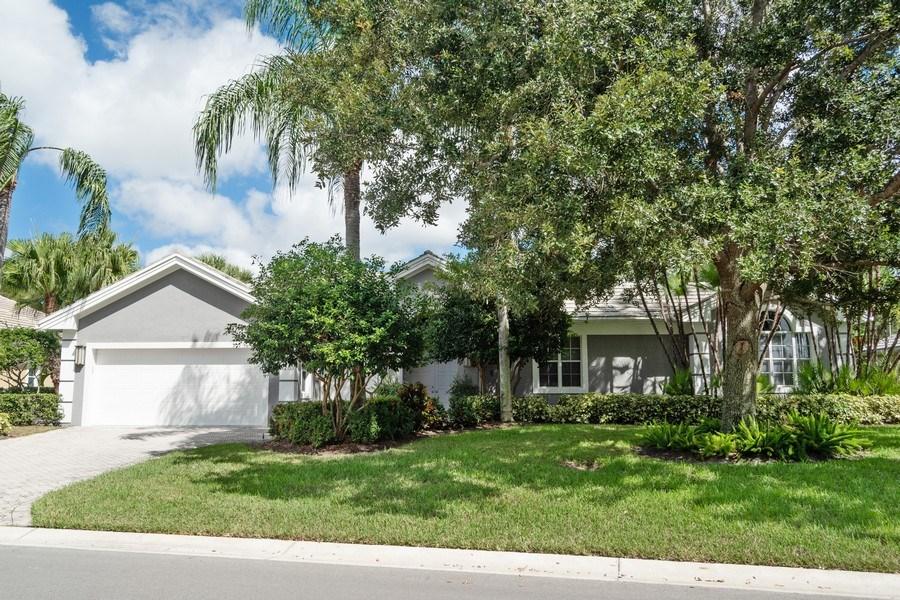 Real Estate Photography - 4285 SE Frazier Court, Stuart, FL, 34997 - Front View