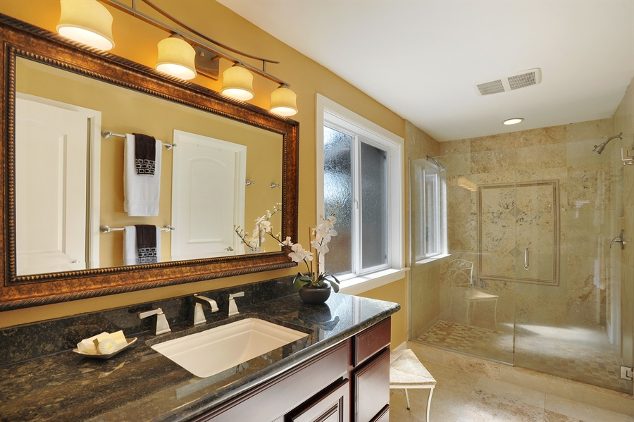 Real Estate Photography - 4470 142nd Ave SE, Bellevue, WA, 98006 - Master Bathroom