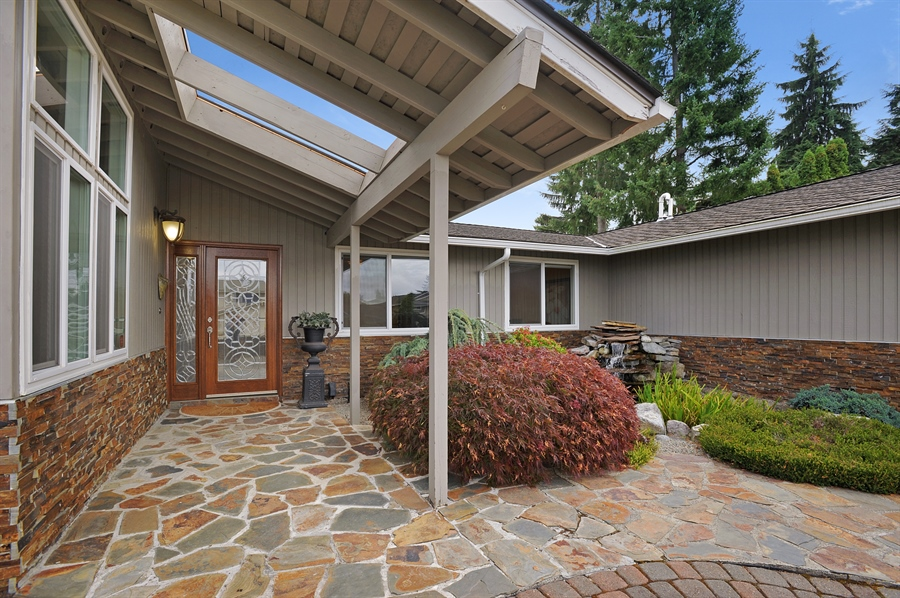 Real Estate Photography - 4470 142nd Ave SE, Bellevue, WA, 98006 - Entrance