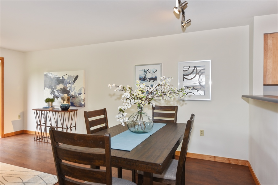 Real Estate Photography - 827 Hiawatha Pl S, 214, Seattle, WA, 98144 - Dining Room