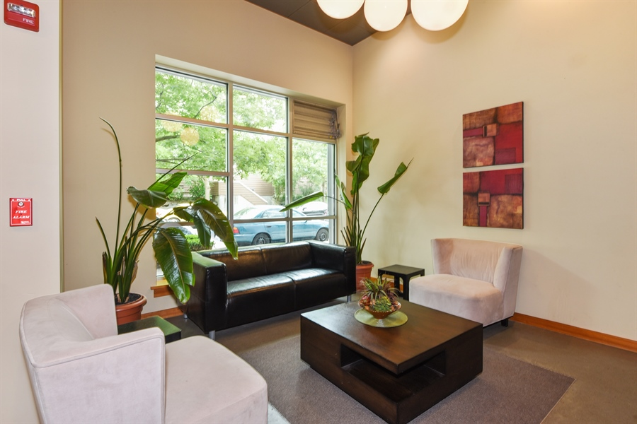 Real Estate Photography - 827 Hiawatha Pl S, 214, Seattle, WA, 98144 - Common Area