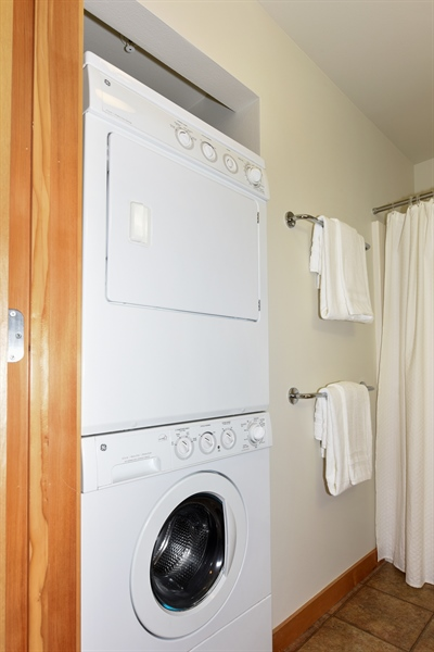 Real Estate Photography - 827 Hiawatha Pl S, 214, Seattle, WA, 98144 - Laundry Room