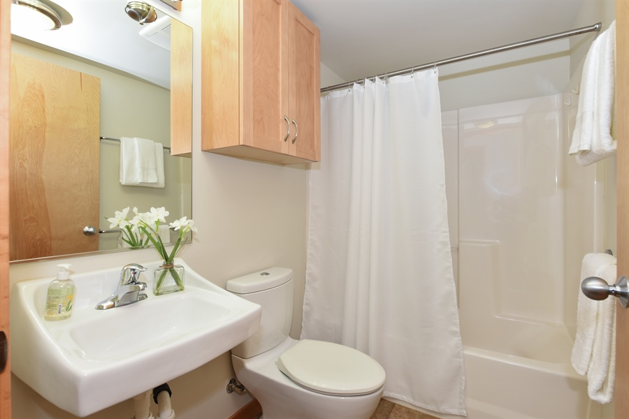 Real Estate Photography - 827 Hiawatha Pl S, 214, Seattle, WA, 98144 - Bathroom