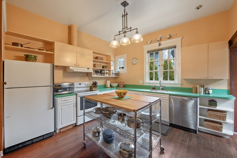 Real Estate Photography - 2602 9th Ave W, Seattle, WA, 98119 - Kitchen