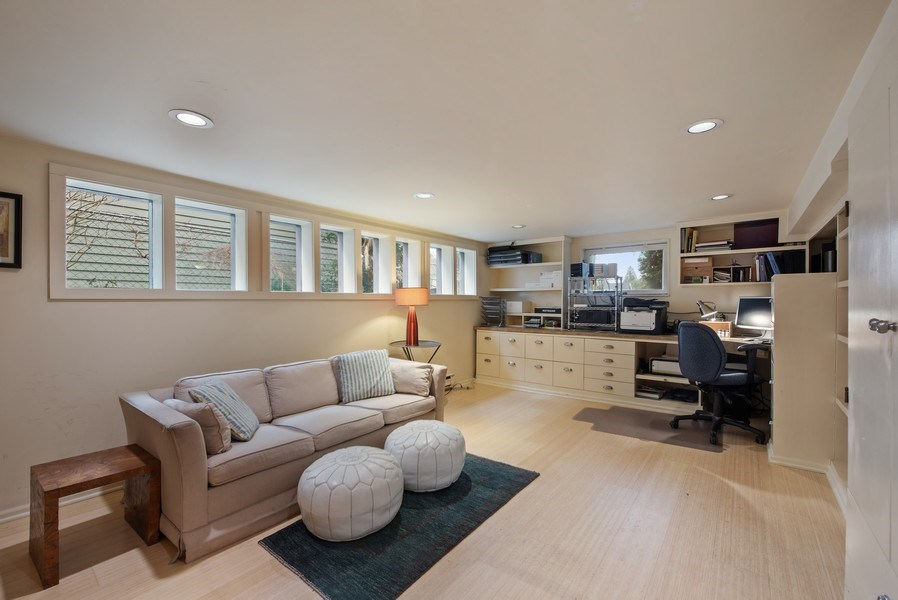 Real Estate Photography - 2602 9th Ave W, Seattle, WA, 98119 - Family Room