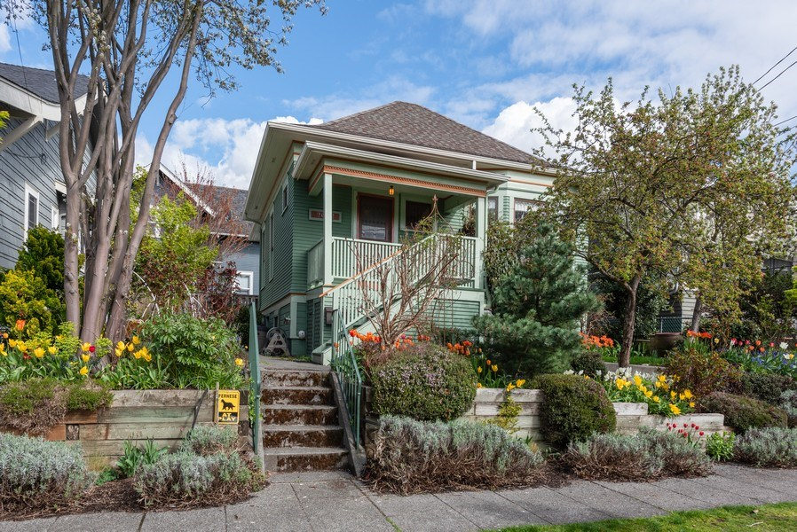 Real Estate Photography - 2602 9th Ave W, Seattle, WA, 98119 - Front View