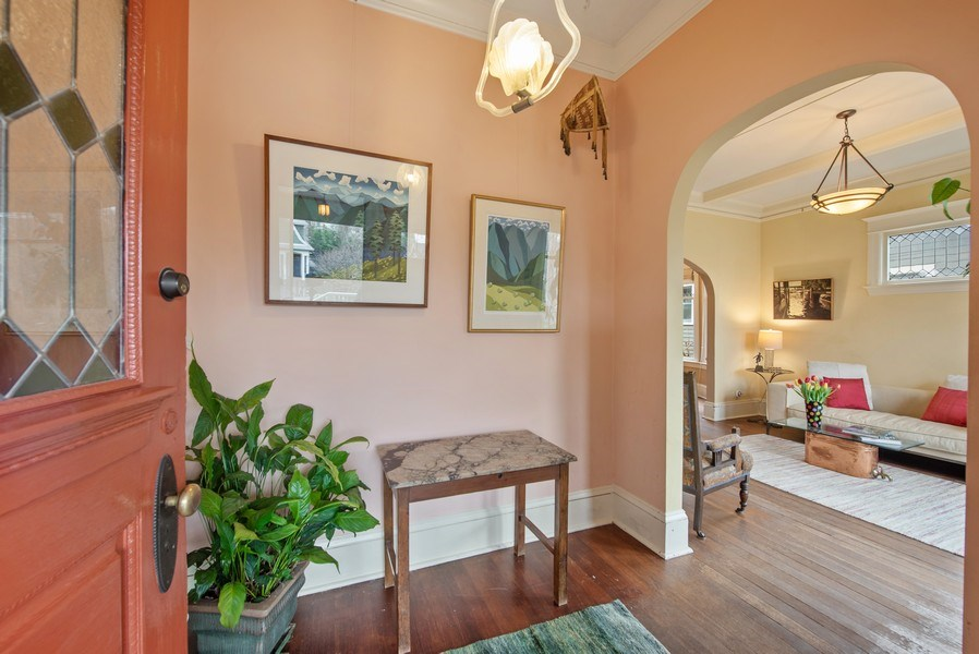 Real Estate Photography - 2602 9th Ave W, Seattle, WA, 98119 - Entryway