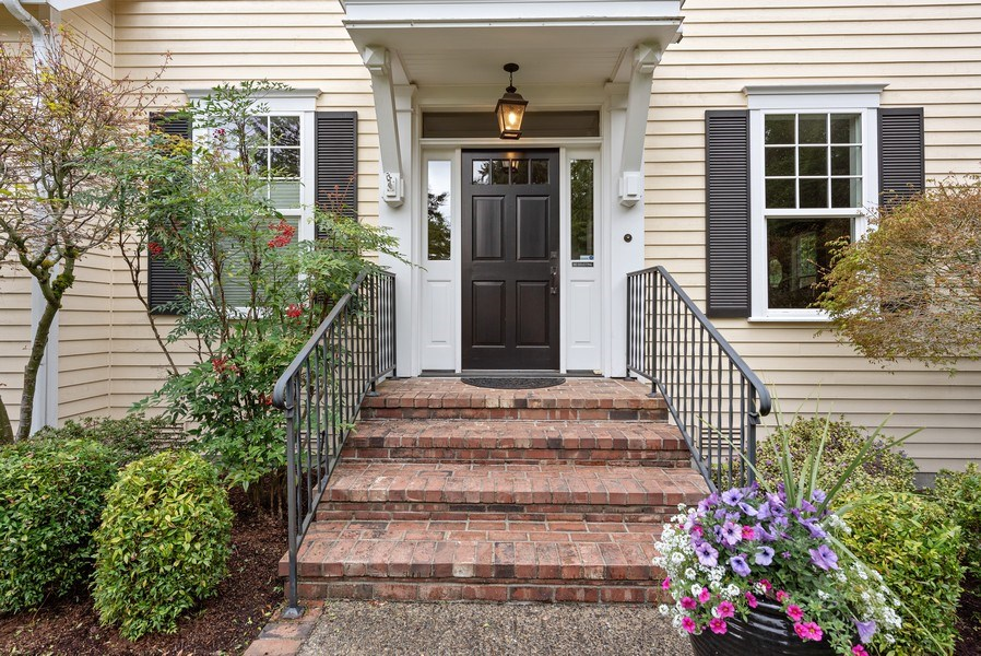 Real Estate Photography - 2401 100th Ave NE, Bellevue, WA, 98004 - Entryway