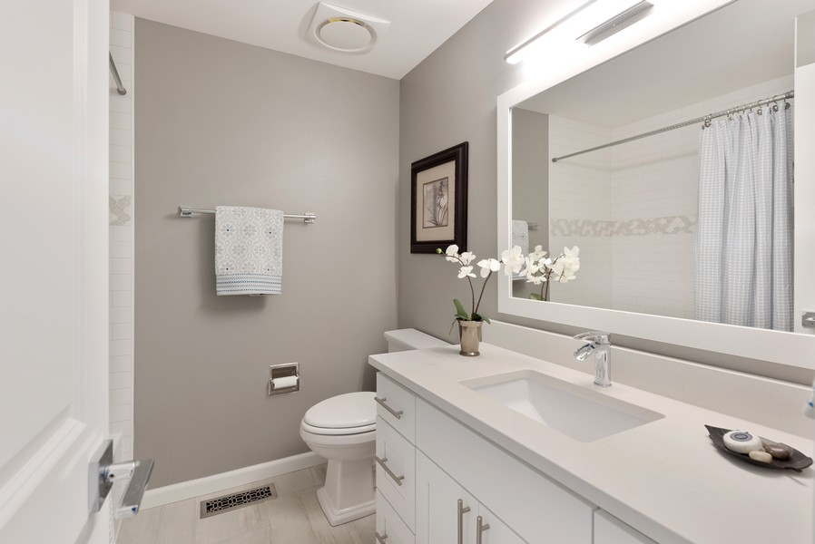 Real Estate Photography - 9628 NE 200th St, Bothell, WA, 98011 - Bathroom