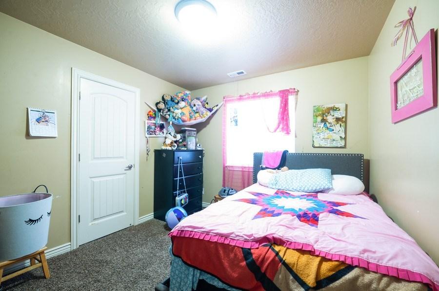 Real Estate Photography - 470 E South Poco Dr, Roosevelt, UT, 84066 - 2nd Bedroom