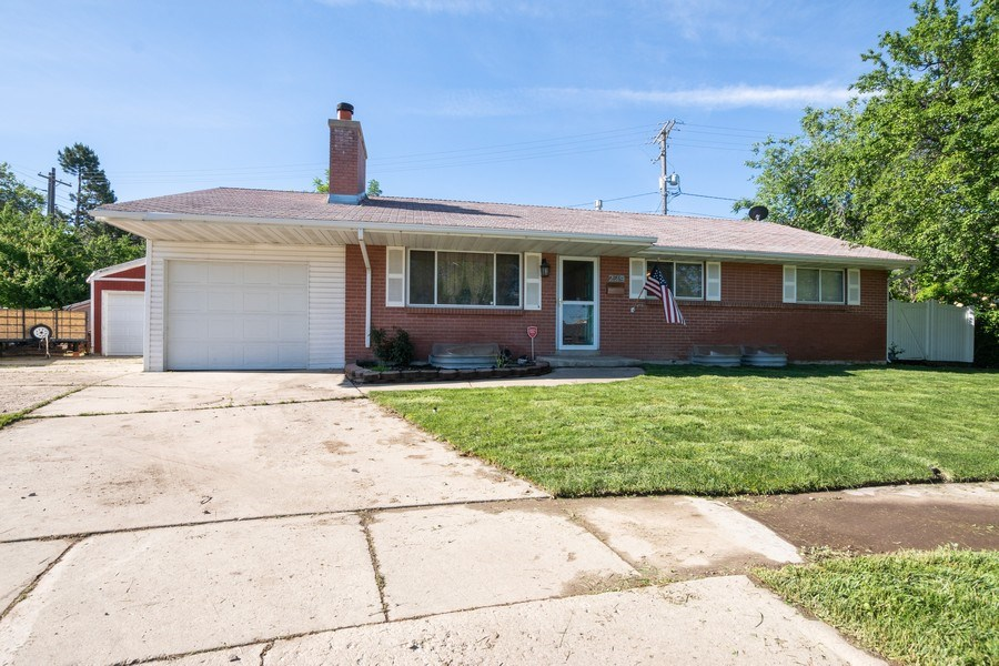 Real Estate Photography - 229 West 800 South, Bountiful, UT, 84010 - Front View
