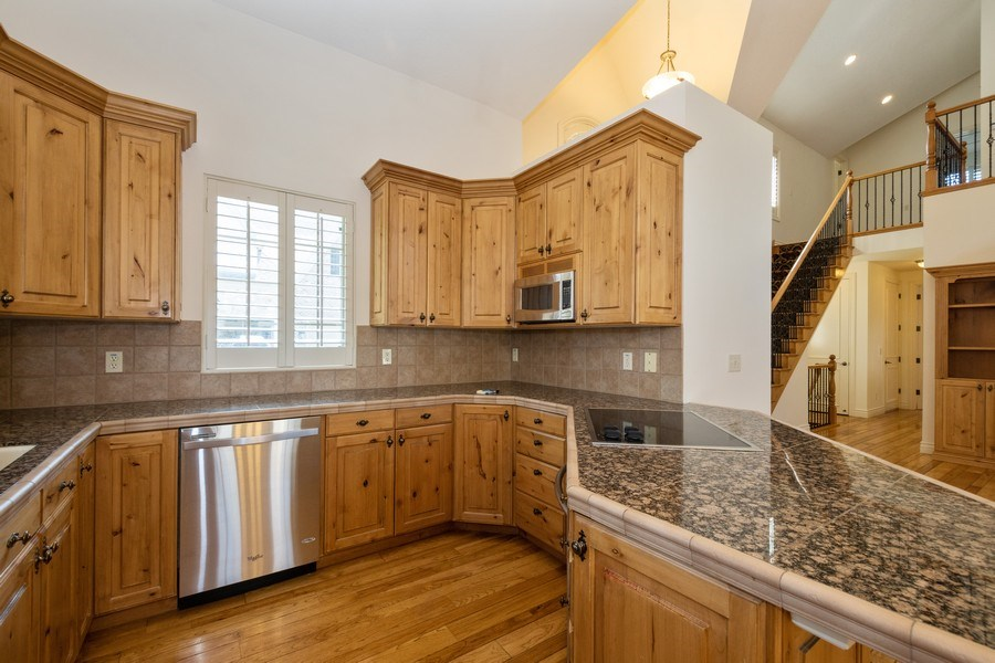 Real Estate Photography - 1826 E Cottonwood Glen Ct, Holladay, UT, 84117 - Kitchen