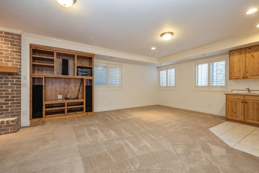 Real Estate Photography - 1826 E Cottonwood Glen Ct, Holladay, UT, 84117 - Family Room