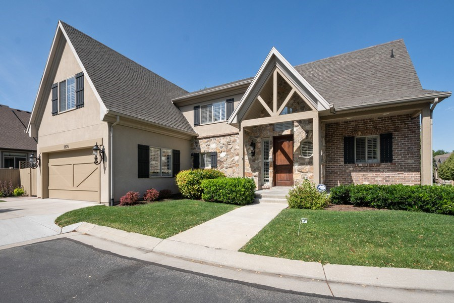 Real Estate Photography - 1826 E Cottonwood Glen Ct, Holladay, UT, 84117 - Front View