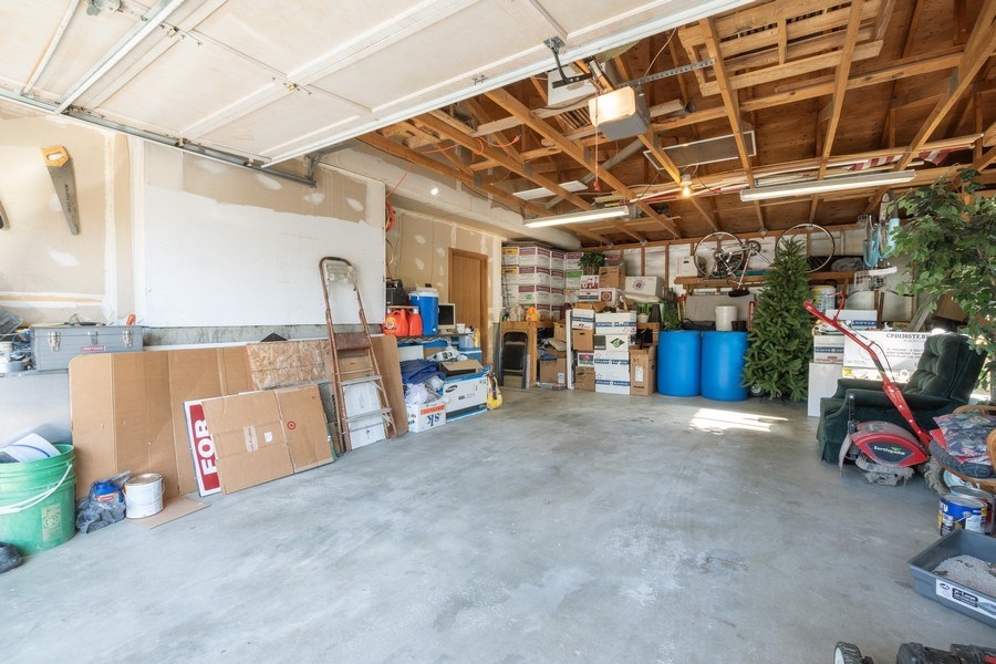 Real Estate Photography - 3250 w. 6735 S., West Jordan, UT, 84084 - Garage