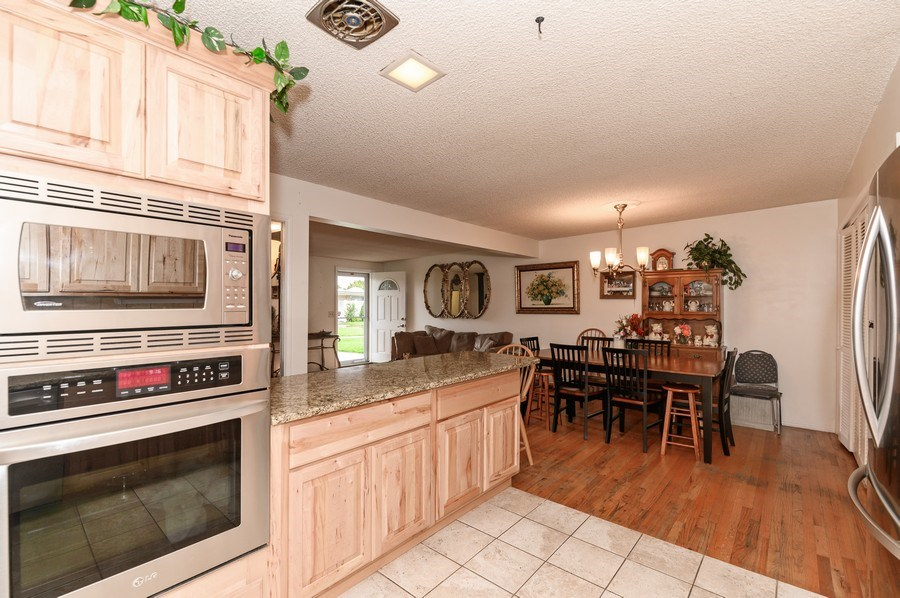 Real Estate Photography - 3616 S 860 E, Millcreek, UT, 84106 - Kitchen
