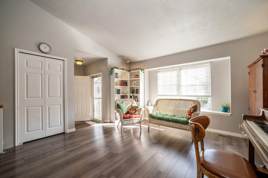 Real Estate Photography - 3242 Plum Tree Lane, Bountiful, UT, 84010 - Living Room