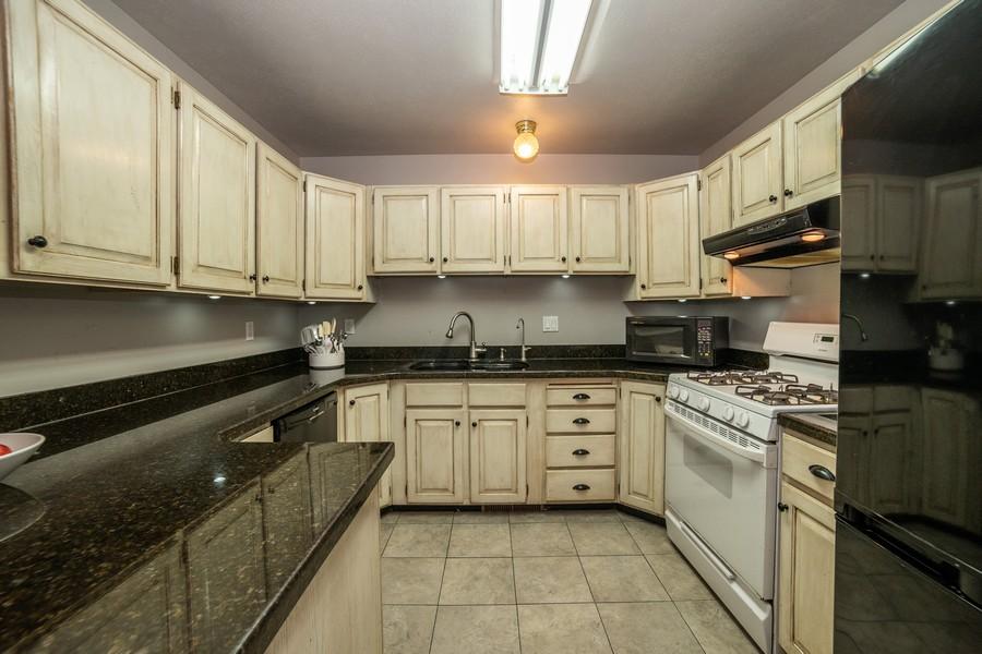 Real Estate Photography - 3242 Plum Tree Lane, Bountiful, UT, 84010 - Kitchen