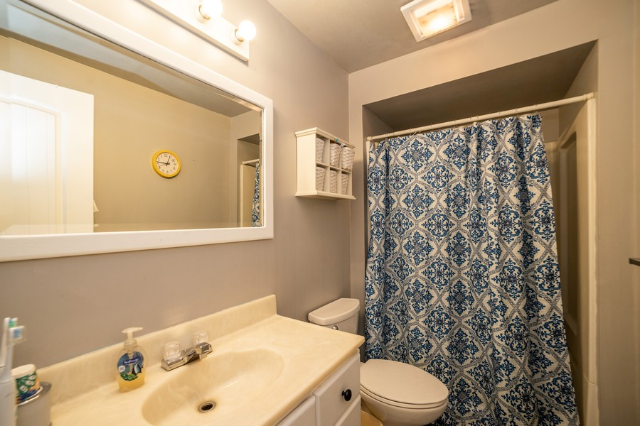 Real Estate Photography - 3242 Plum Tree Lane, Bountiful, UT, 84010 - 2nd Bathroom