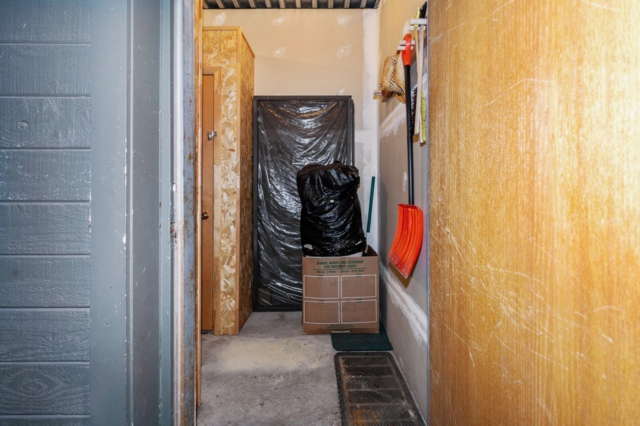 Real Estate Photography - 1487 Woodside Ave Unit B105, Park City, UT, 84060 - Closet